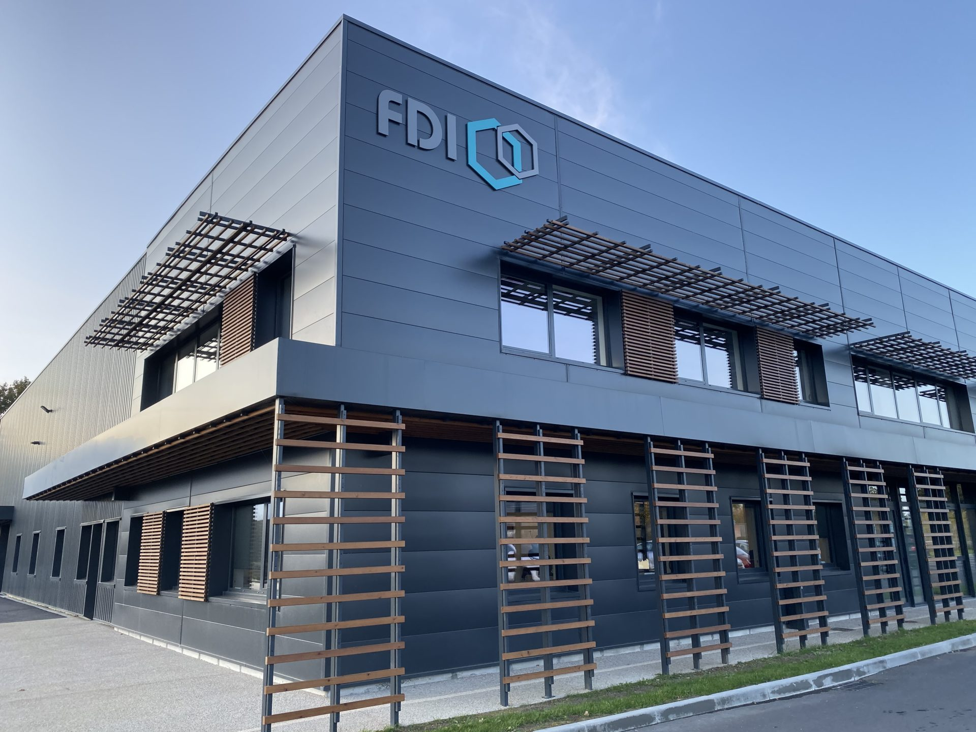 Siège de FDI FIXATIONS à Saint Jacques de La Lande (35)